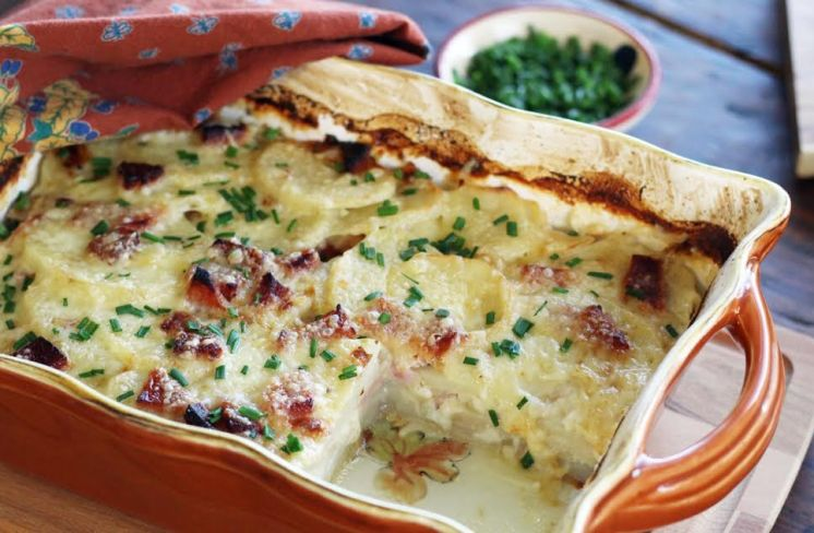 Perfectly Set Smoky Scalloped Potatoes with Ham and Chives Artful Dishes