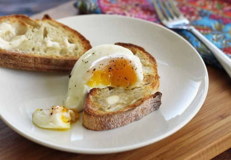How to Poach Eggs in the Oven - Oven Poached Egg for Breakfast with Toast | artfuldishes.com