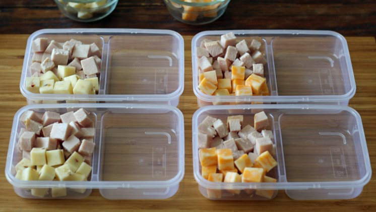 Prepping Protein Snack Boxes with Turkey and Cheese | www.artfuldishes.com
