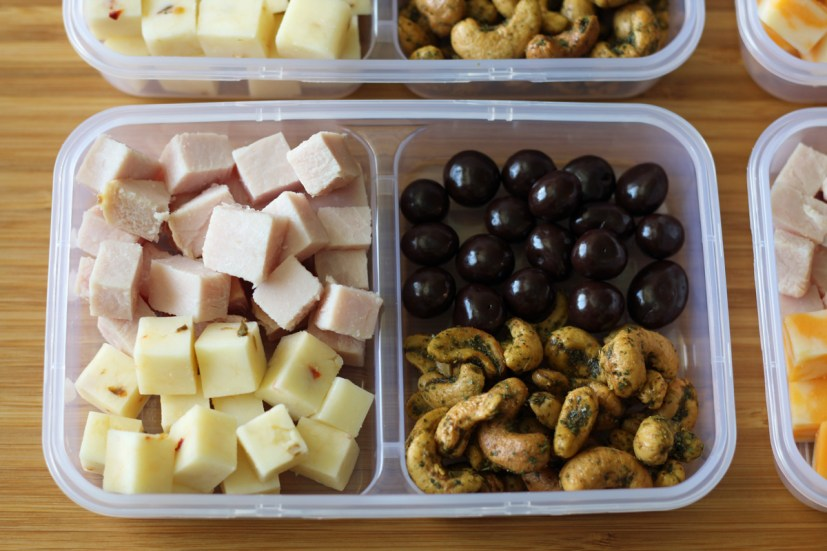Spicy Protein Snack Boxes with Turkey and Pepperjack Cheese, Chocolate Covered Blueberries | www.artfuldishes.com