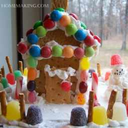 Simple Gingerbread Houses