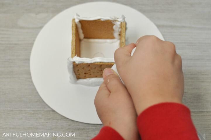 easy no-bake gingerbread houses