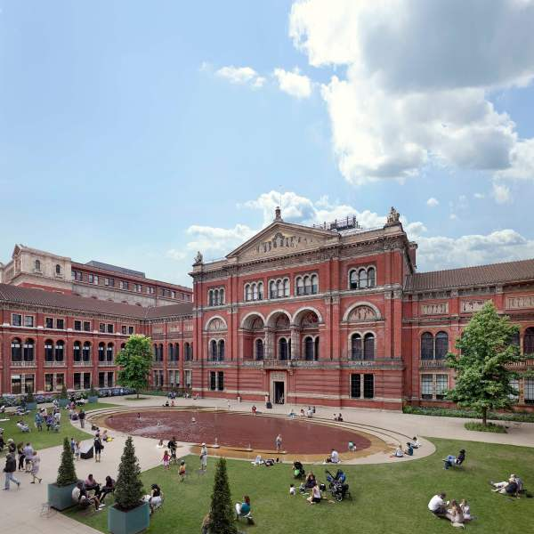Victoria And Albert Museum & London - Art Fund