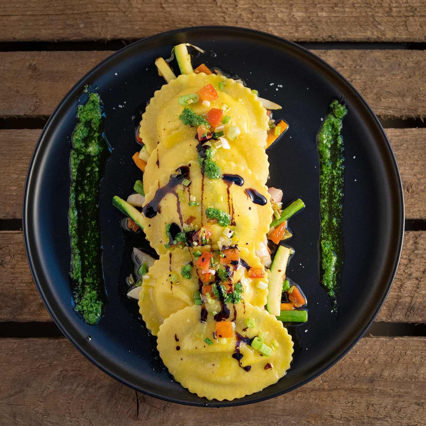 photographe culinaire pour le restaurant inspiration locale : ravioli