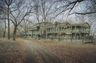 11 Scariest Haunted Places In Oregon