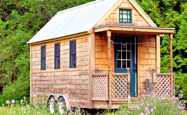 What You Need To Know Before Moving Into A Tiny House