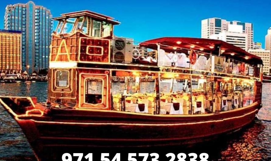 Why are dhow cruises so highly popular in Dubai?