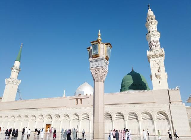 A mosque in one of the most beautiful cities to live in Saudi Arabia.