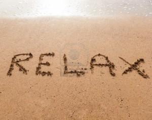 15446907-parola-relax-in-scrittura-sulla-spiaggia-di-sabbia