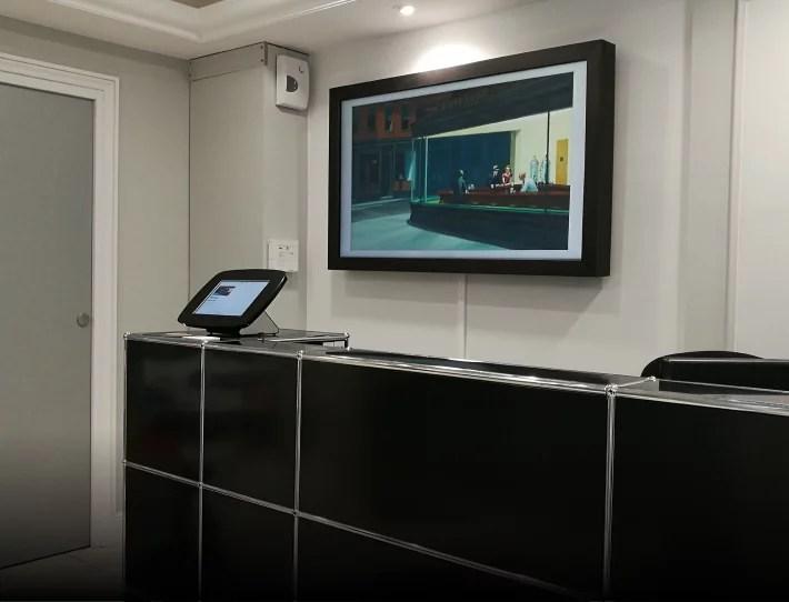 Artify - Tableau d'art connecté dans le Hall d'accueil de la DFCG