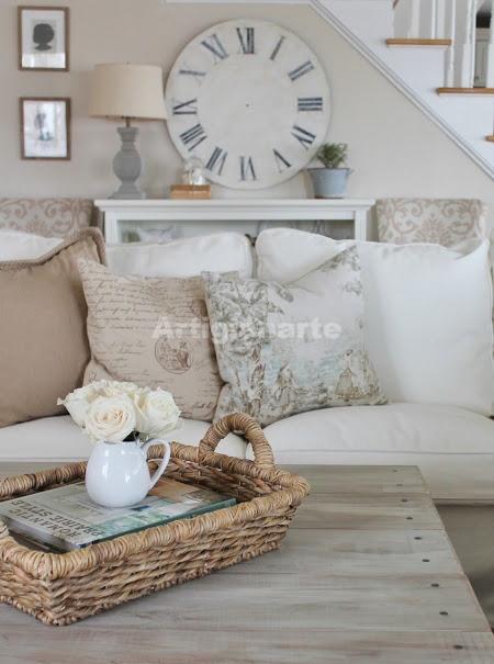 Gli arredi si ispirano dichiaratamente alle case di campagna inglesi, i tipici cottage, e comprendono decorazioni in stile antico, vernici bianche lavorate con. Mobili Shabby Chic Per Arredare Spazi Piccoli
