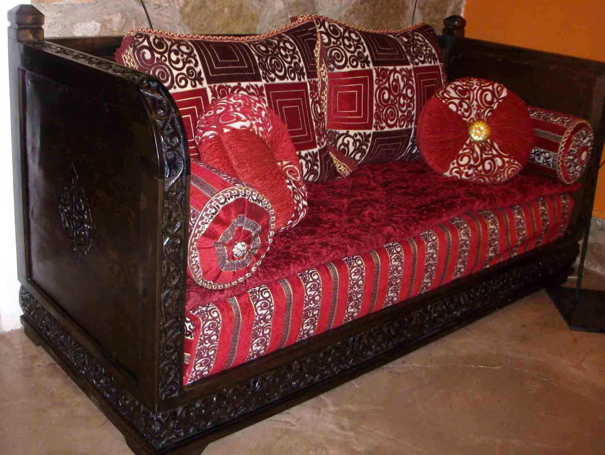 Divano Marocco articolo prodotto Marocchino Divano marocchino in legno di cedro intagliato a m