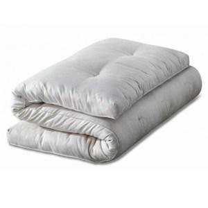 Fodera copri futon per rivestire il futon realizzato in morbido cotone 100%, bianco o colorato. Sacco futon facilmente sfoderabile e lavabile in lavatrice.