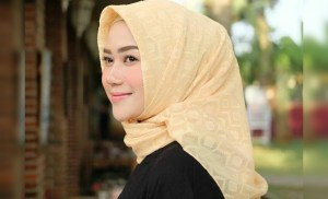 Birahi Gadis Mall Remaja ABG Binal Berjilbab