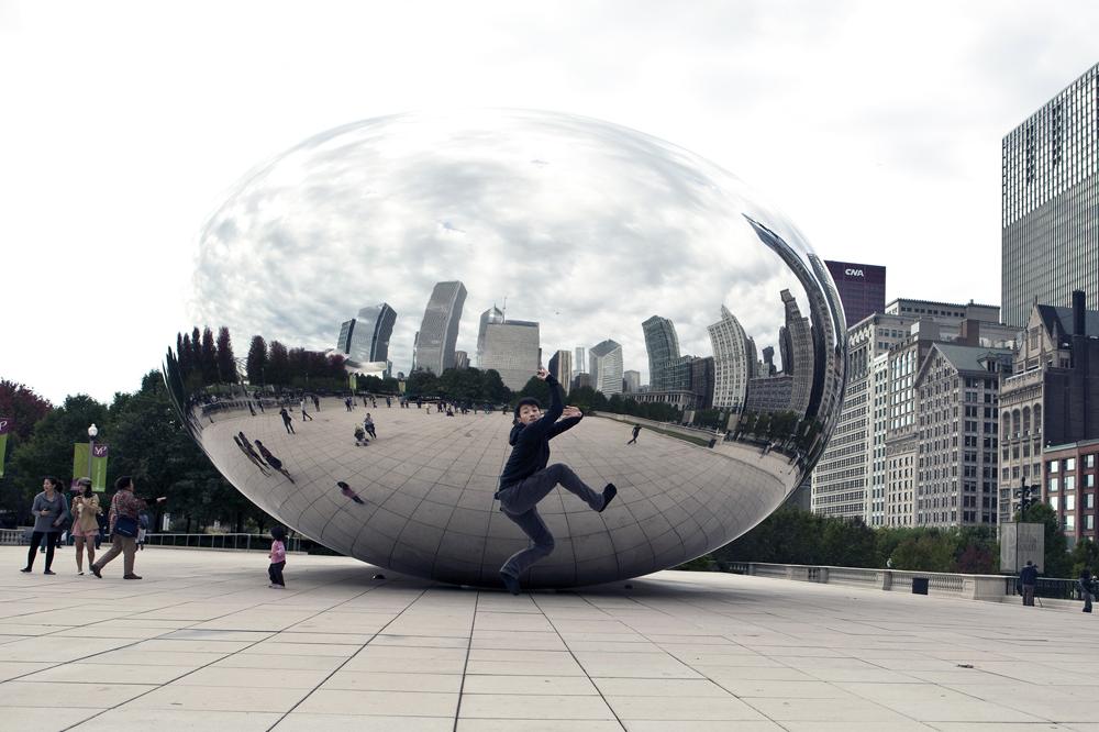 CloudGateDanceTheatreofTaiwanatCloudGateSculpturePHOTObyLindsaySchlesser4