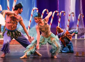 Jessie Gutierrez (with Edson Cabrera) as Arabian Coffee | photo courtesy of Ruth Page Civic Ballet