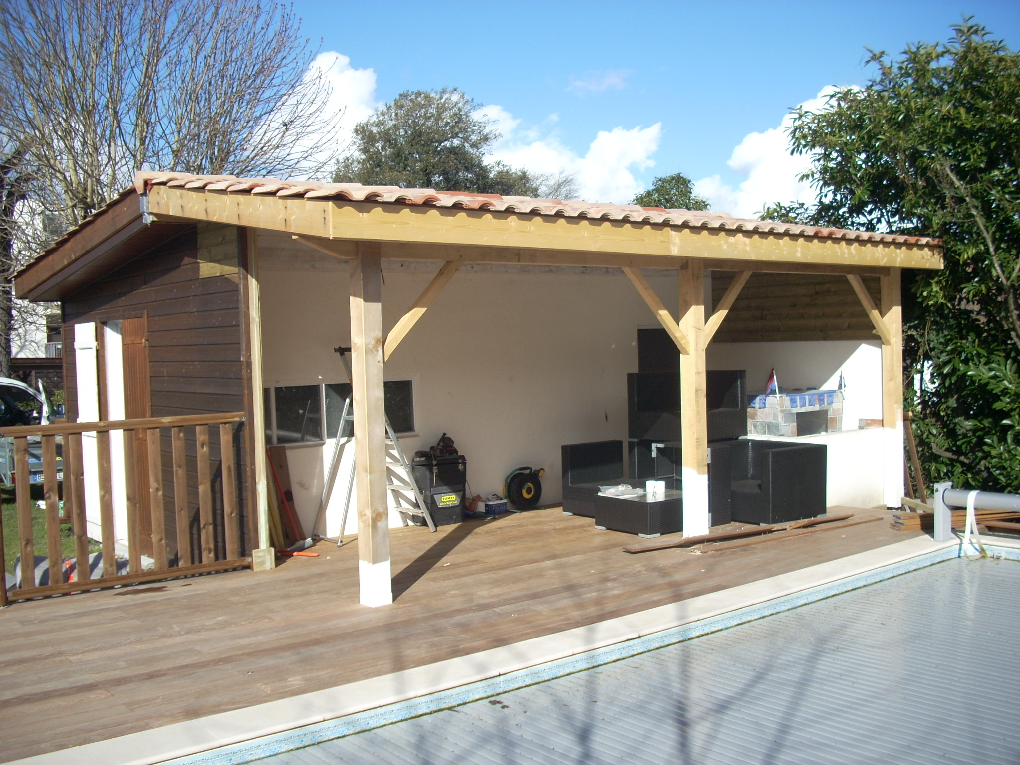 Rnovation de Pool House Lacanau charpente traditionelle Terrasse Ip  ARTISAN CHARPENTE MENUISERIE