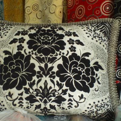 Housse de coussin marocaine en noir et blanc salon marocain
