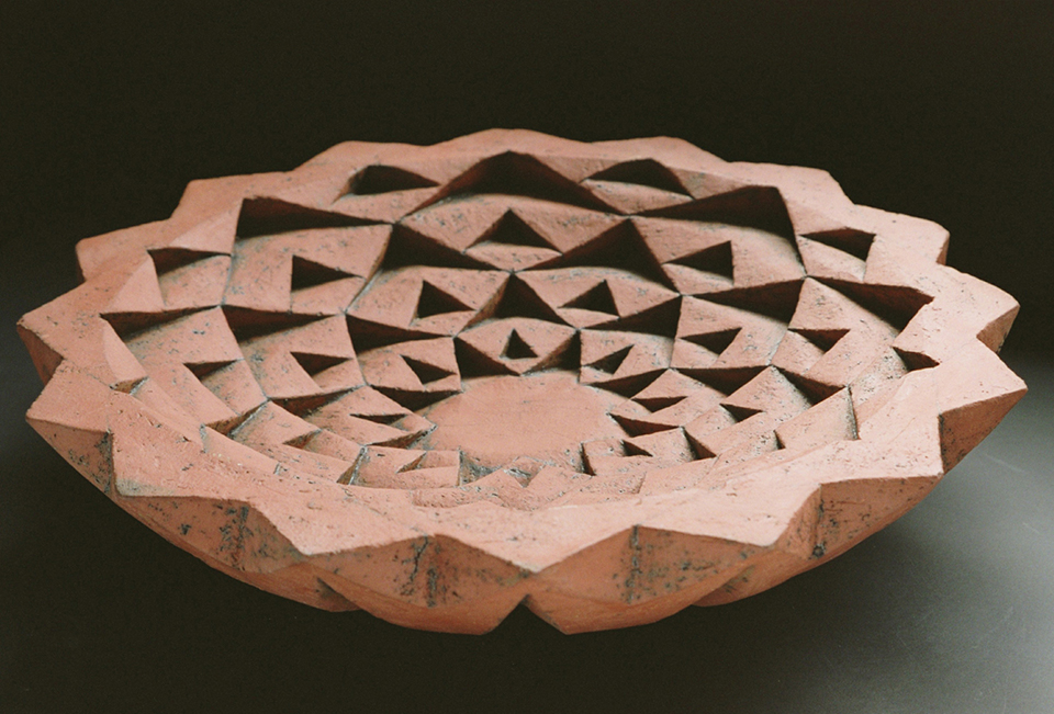 Terracotta-Flower-18inch-D-Brick-clay-with-iron-oxide-1-