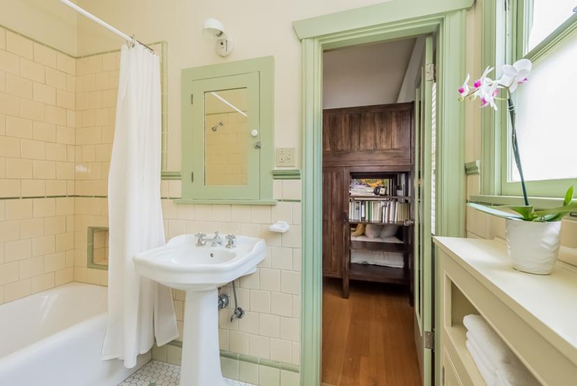 029-Bathroom-1096042-mls