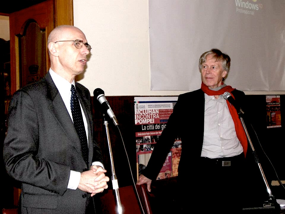 Giampiero Gramaglia and Derrick de Kerckhove at the event
