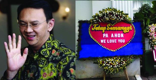 Rasa Kecintaan Terhadap Sosok Ahok Disertai dengan Berkumpulnya Warga di Balai Kota
