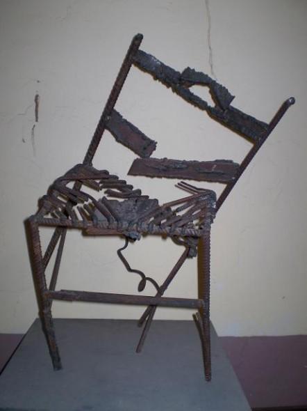 Obra de arte silla rota Artistas y arte Artistas de la