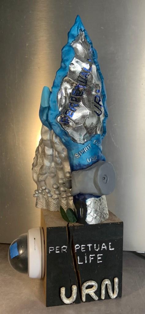 ANTONÏ LAVIE-Fossilised love-Impression 4D, cristal liquide et poudre de polyamide solidifié au laser-20x50x20 cm11 kg-1