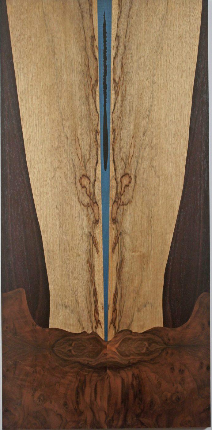 Deux-silhouettes-Frake-Noyer-Palissandre-Syco-teinte-bleu-et-poirier-teinte-noir-Format-97X47cm-1