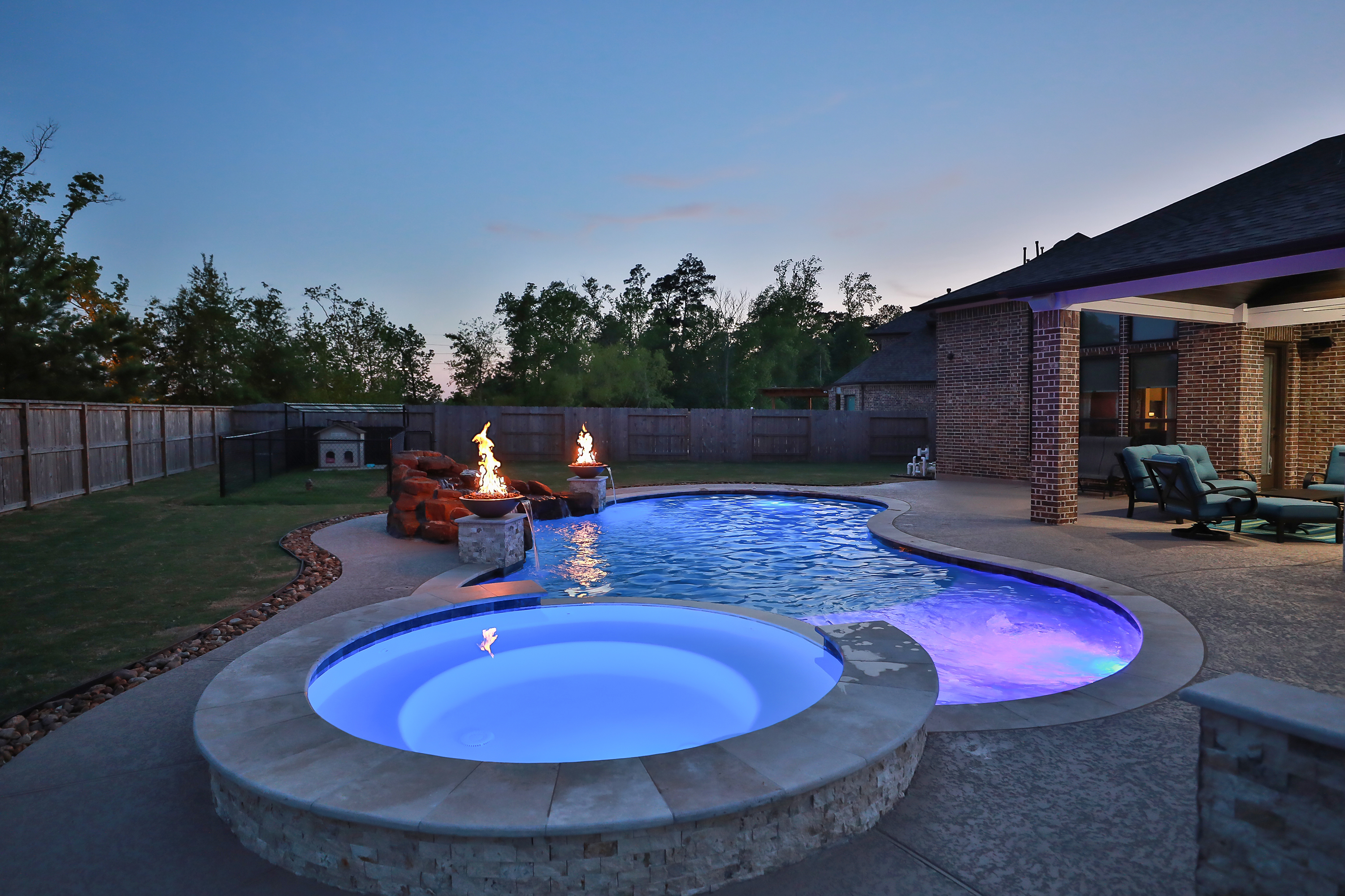 10 Custom Spa Styles That Steal The Show - Artistry Outdoors ...