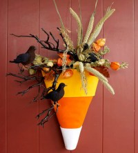 11 Cool Door Decorating Crafts for Halloween