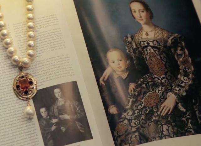 eleonora-medici-her-fabulous-golden-gown-Bronzino
