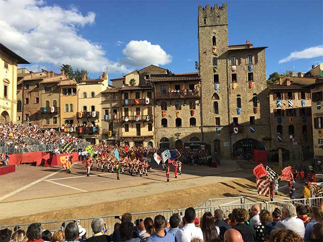 Italian-Festivals-Celebrating-Art-Form-Arezzo-Joust-Giostra