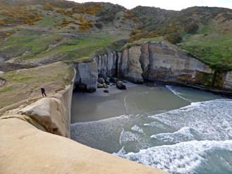 76-Tunnel beach