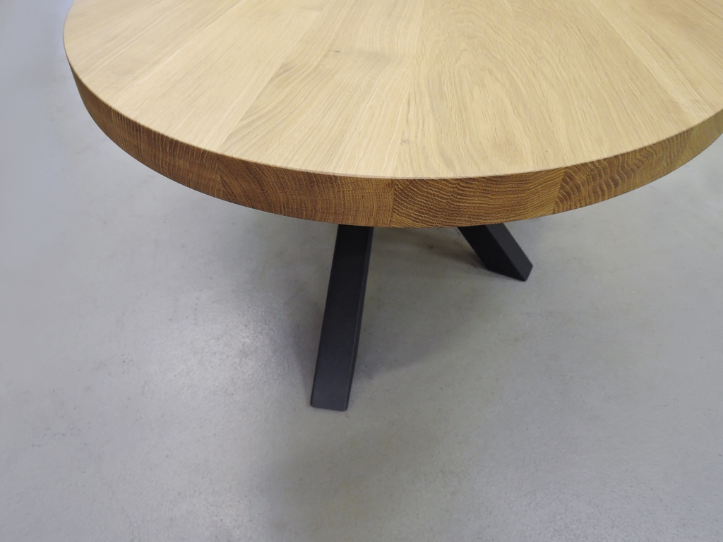 table ovale pied central mikado
