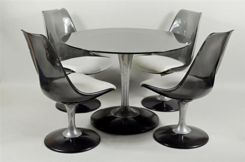 Tulip table and Lucite Chairs by Chromcraft set of 5 by