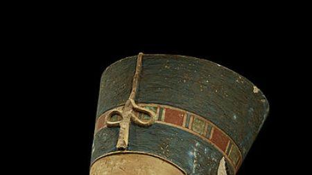 Morning Links: Queen Nefertiti's Tomb Edition
