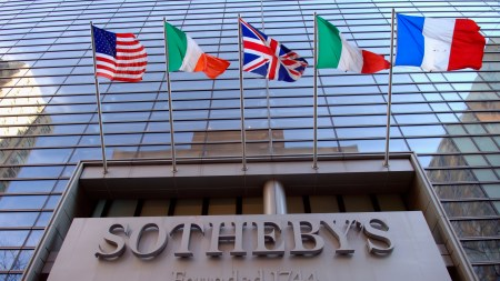 Sotheby's Reports Standard Q1 Loss, with