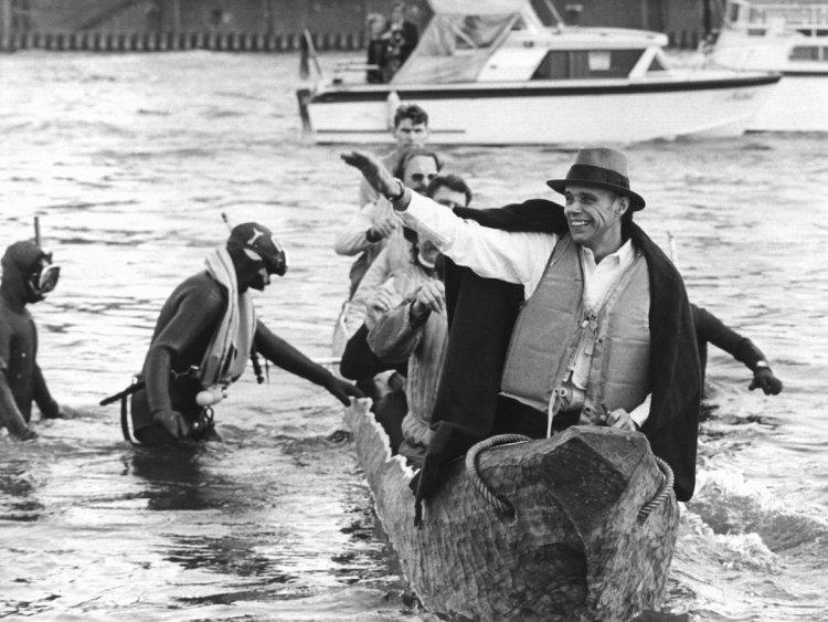 Joseph Beuys making a symbolic return to the Kunstakademie in 1973.