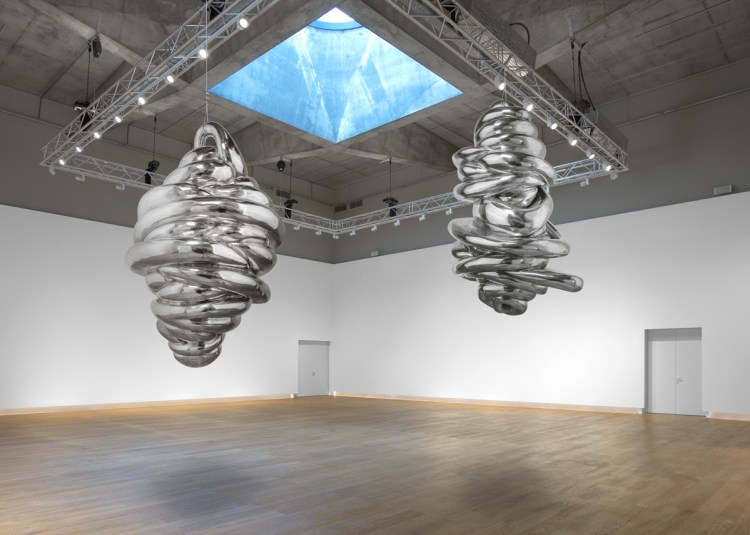 A visualization of Louise Bourgeois's Untitled (2004) and Untitled (2004) as they are to be installed in Hauser & Wirth's new Monaco location.
