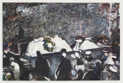 "A painting shows a crowd of people (mostly the backs and tops of their heads) gathering around a casket with a wreath on it. German text in the background reads, ""'Ich war, ich bin, ich werde sein!'"" It is mostly grayscale with hints of muddy colors."