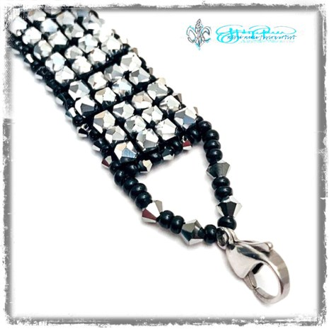 Beaded_SilverShimmer_clasp
