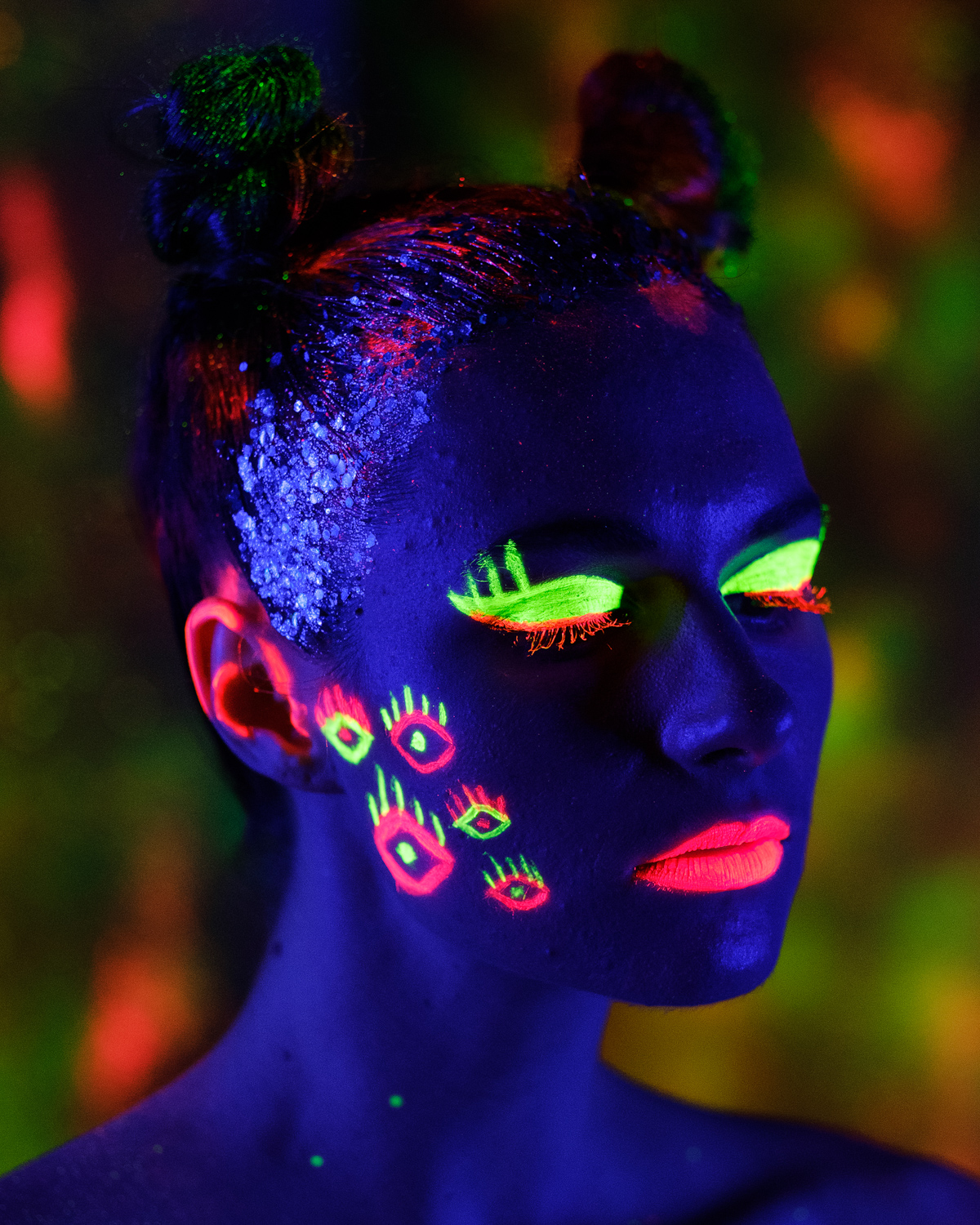 Everyone captured some gorgeous images and had such a fun night at my Neon Glow Black Light / UV Light workshop last night. Big thanks to our amazing models @berniegasm and @sasskia.model and to Jess from @jessaleemakeuphairdesign for the awesome designs and body painting.  I think I might have to run this one again in a few months.. who's keen?