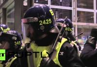 Pro-refugee protesters clash with police at London's St. Pancras station (Oct 2015)