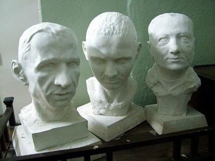 Недорогие портретные бюсты из гипса в натуральную величину