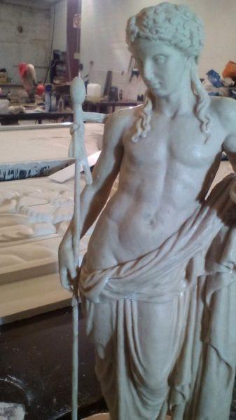 Копия статуи древнегреческого бога Диониса из дворца князя Юсупова.