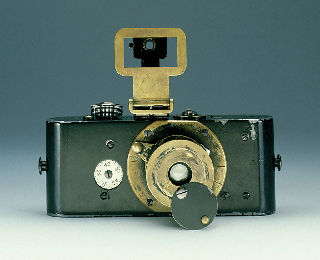 Fig. 1 Ur Leica