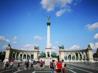 ArTravel   Piazza degli Eroi   Budapest
