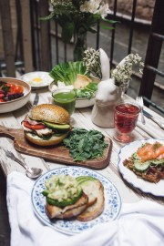 lunch-with-bunny-vase,-sandwich-(Victoria-Morris)-1