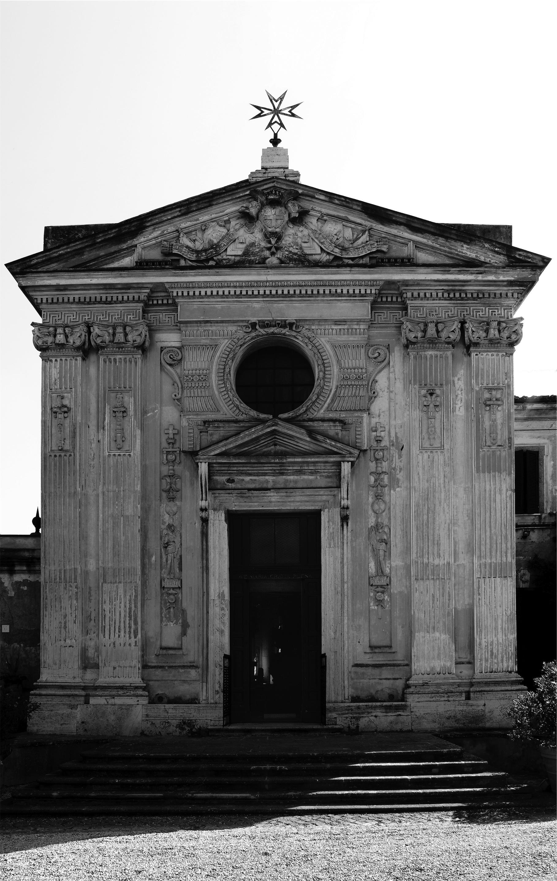 Facciata della chiesa di Santa Maria del Priorato a Roma  2010  photo Alicia Guirao  courtesy
